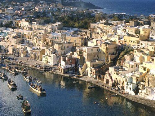 Неаполь город миллионник после рима