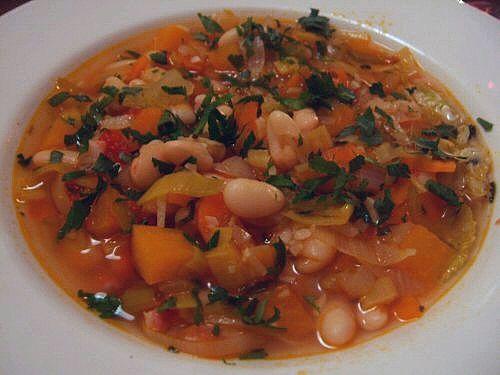 """""""Минестроне"""" - густой суп из можества ингридиентов"""
