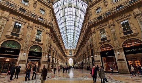 Галерея Витторио-Эммануила входит в число первых торговых пассажей Европы