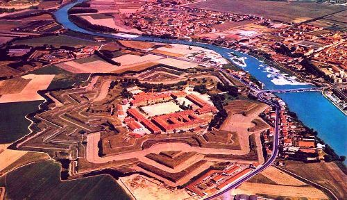 Древняя цитадель - главная достопримечательность Алессандрии
