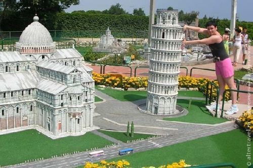 Италия в миниатюре включает более 250 моделей природных и архитектурных достопримечательностей Италии