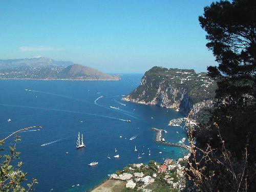 Остров Капри - одно из самых излюбленных мест для отдыха европейской элиты