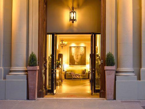 ''Hotel Savoy'' - один из первых отелей, начавших свою работу во Флоренции, он открылся в 1893 году