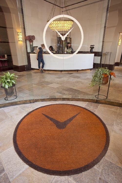 Холл отеля ''Hotel L'Orologio''