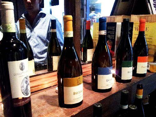 Искья славится развитой культурой виноделия, в этом вы можете убедиться приняв участие в  винном туре или приехав на остров в середине октября