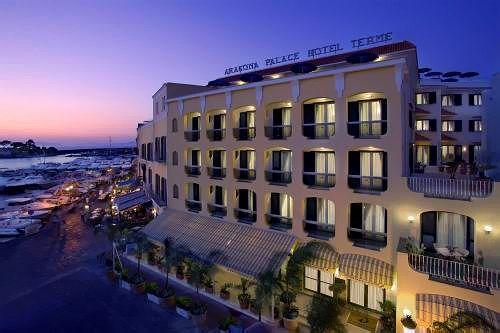 ''Aragona Palace Hotel & Spa'' - один из популярных спа-отелей острова