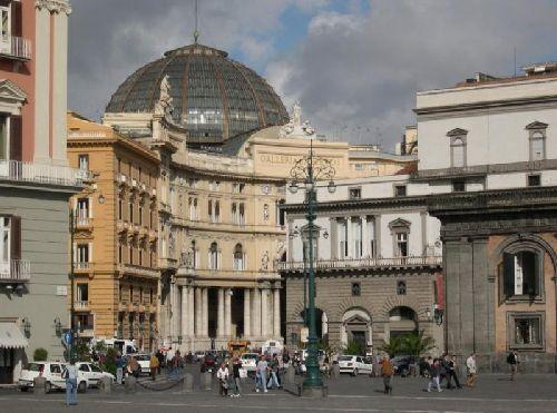 Октябрь в Неаполе  - сравнительно тёплый месяц, однако отчасти непредсказуемый