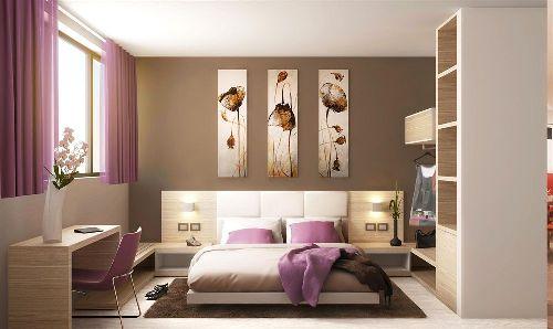 Номер отеля ''Hotel Cristina'' в нежных бежевых и розовых тонах