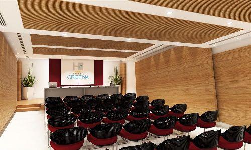 Небольшой, но современный зал для проведения бизнес-встреч и организации конференций