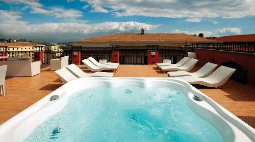 В отеле есть все условия для того, чтобы как следует расслабиться и на время позабыть о всех неурядицах