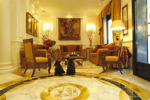 Холл отеля ''Hotel Condotti''