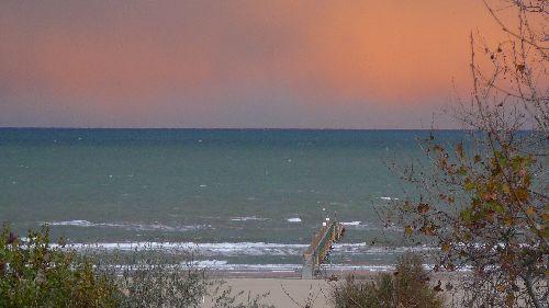 Море в ноябре очень редко бывает спокойным