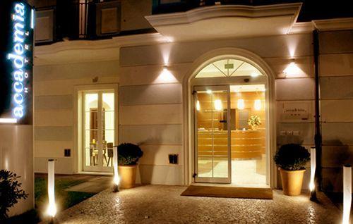В ''Accademia Hotel'' качество оказываемых услуг в отношении цены преуспевает