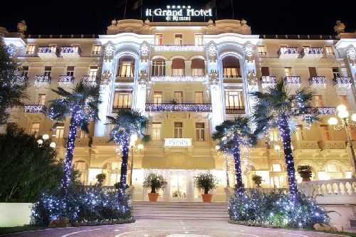 Фасад ''Grand Hotel Rimini'' имеет эффектный вид