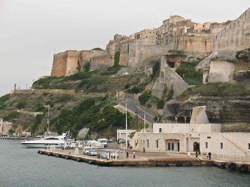 Во второй половине месяца пейзажи Сардинии уже не такие красочные