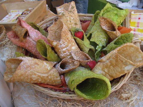 Для приготовления различных лакомств используют плоды фисташкового дерева, произрастающего на крутых склонах Этны