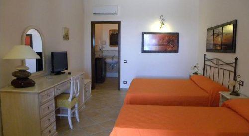 Двухместный номер ''twin'' в отеле ''Borgo Eolie''