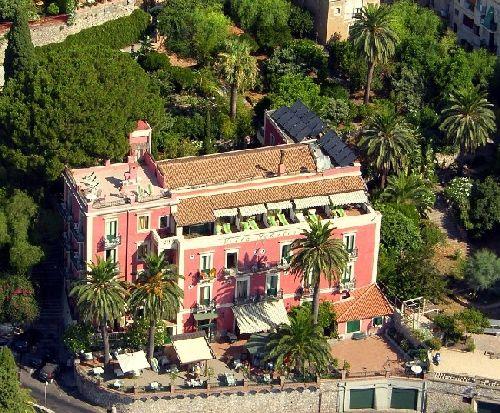 ''Villa Schuler'' находится в окружении природного оазиса, что обеспечивает её гостям спокойную атмосферу