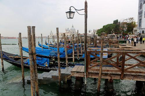 Осень в Венеции - волшебная пора, когда город становится ещё более выразительным и загадочным