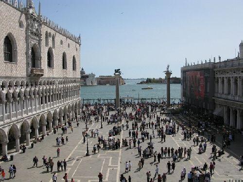 В сентябре в Венеции по-летнему тепло и солнечно, но жары при этом нет