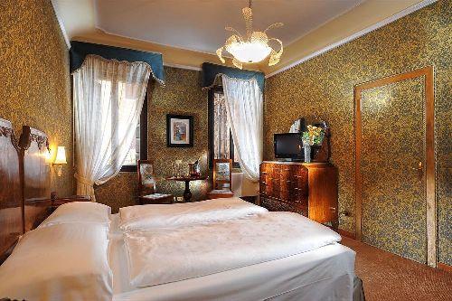 Во всех номерах в ''Hotel Flora''создана атмосфера уюта