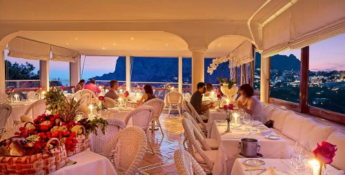 Капри - считается один из наиболее дорогих курортов Италии