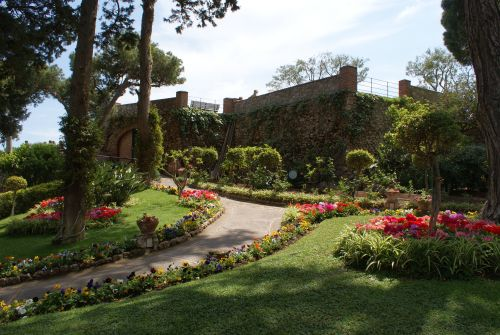 Сады императора Августа находятся на южной стороне острова Капри