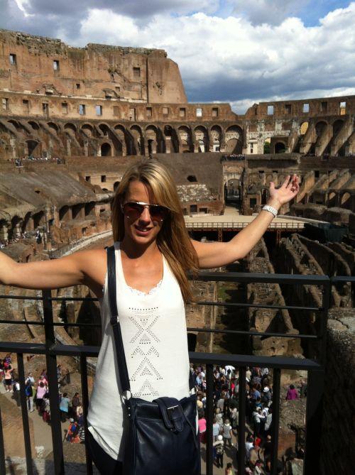 Рим находится в самом центре Италии на западом побережье