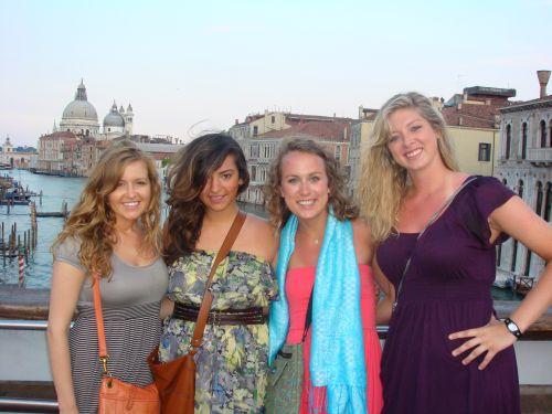 Венеция расположена на северо-востоке Апеннинского полуострова на Адриатическом побережье