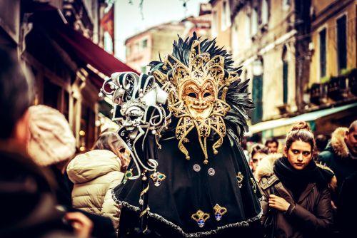 Венецианский карнавал - яркое событие в календаре итальянских фестивалей