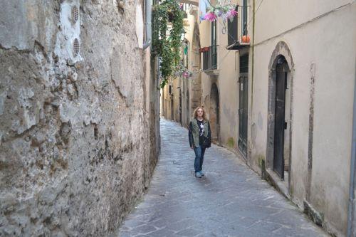 Колоритные узкие улочки Салерно