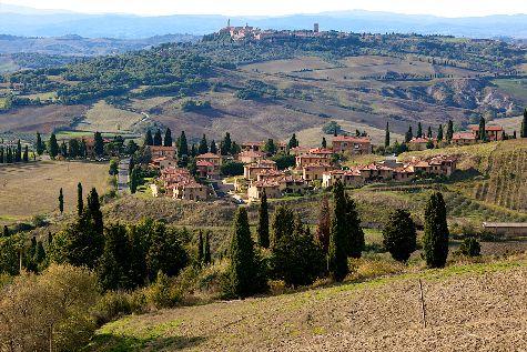 Область Тоскана во все времена притягивала туристов своими изумительными ландшафтами и богатейшей культурной