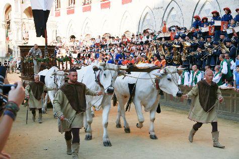 Палио Сиены - самые знаменитые скачки в Италии, а проводятся они 2 июля и 16 августа