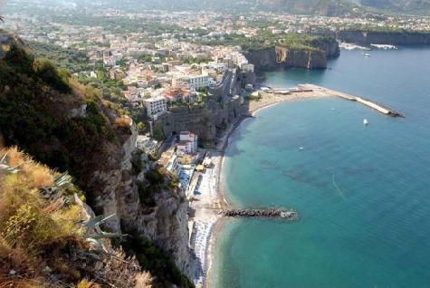 Длина побережья Тосканы, омываемое Тирренским морем, составляет более 300 километров