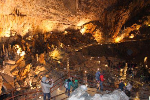 Гротте Гиганте - самая большая туристическая пещера в мире